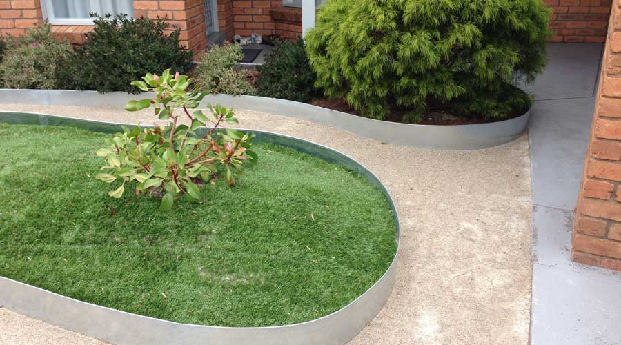 Domestic Gardens Formboss .