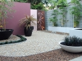 edging_7_designer-courtyard-defined-by-formboss-steel-garden-edging