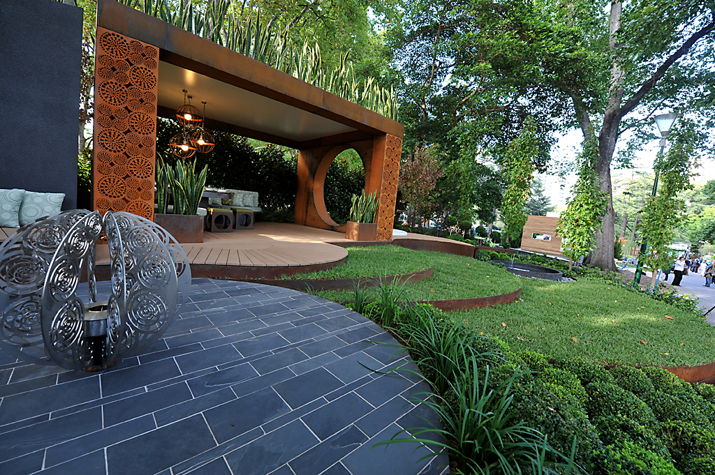 Formboss for Metal garden designs