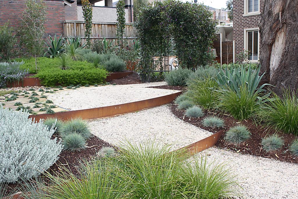 Formboss for Gardens edge landscaping