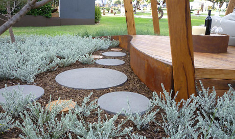 Raised Edging - raised garden beds from formboss metal garden edging