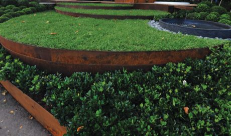 REDCOR® Weathering Steel - galvanised garden edging from formboss