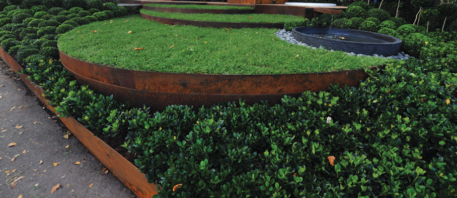 Best Lawn Edging? Lawn Areas And Garden Beds Need A Solid Edge For Clean,