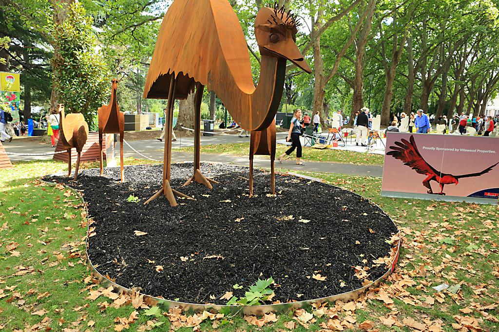 corten_edging_and_statues_melbourne_flower_show_2013_3 - garden edging | Metal Garden Edging | lawn edging | landscape edging |  garden design