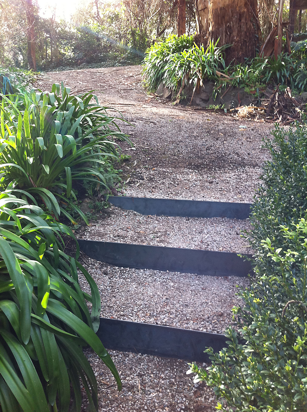 creative_garden_beds_and_steps_in_any_shape_you_desire3 - garden edging   Metal Garden Edging   lawn edging   landscape edging    garden design