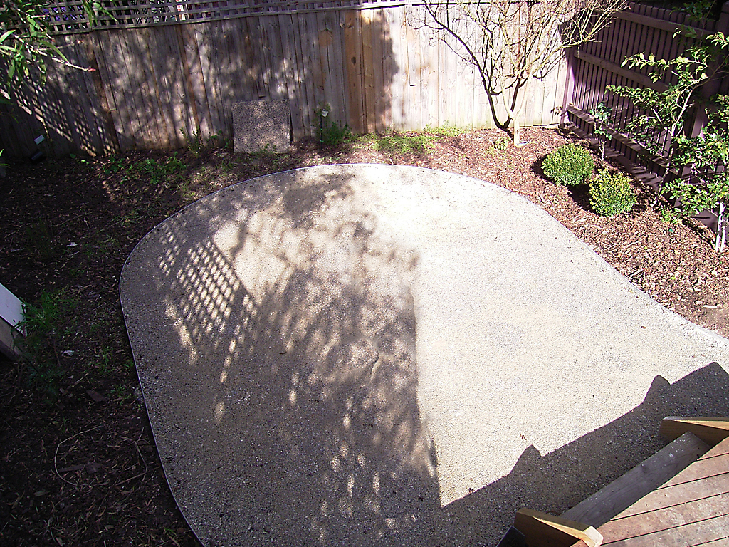 curved_garden_borders__paths_that_are_simple_to_install_22 - garden edging   Metal Garden Edging   lawn edging   landscape edging    garden design