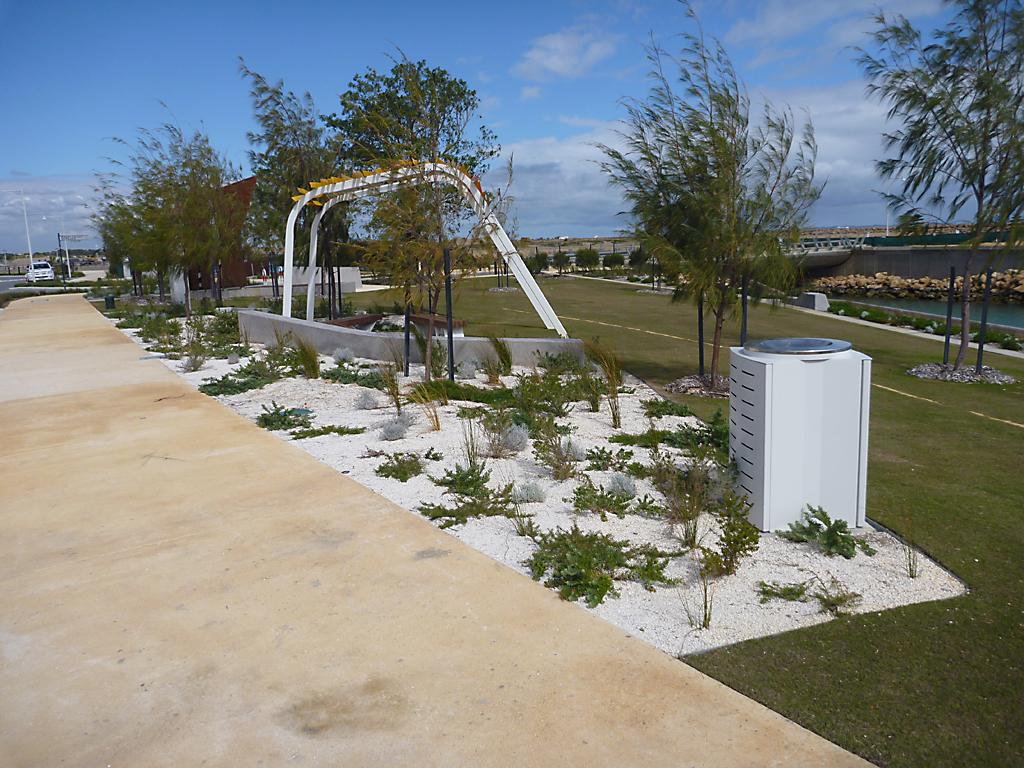 design_ideas_for_public_pathways_that_define_like_no_other_8 - garden edging | Metal Garden Edging | lawn edging | landscape edging |  garden design
