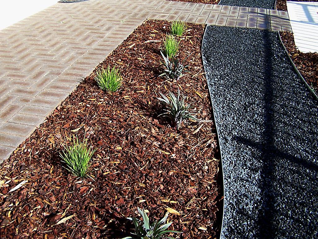 designer_landscape_transformation_with_steel_edging_8 - garden edging | Metal Garden Edging | lawn edging | landscape edging |  garden design
