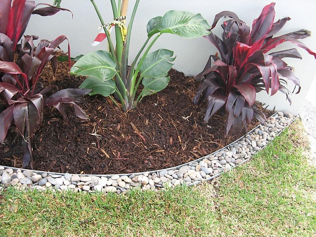 Aesthetic Landscapes - garden edging | Metal Garden Edging | lawn edging | landscape edging |  garden design