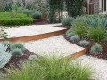 others_8_steel-steps-created-out-of-corten-steel-garden-edging
