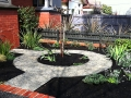 pre-made-circles_9_courtyard_garden_makeover